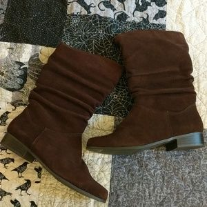 St. John's Bay Brown suede soft boots